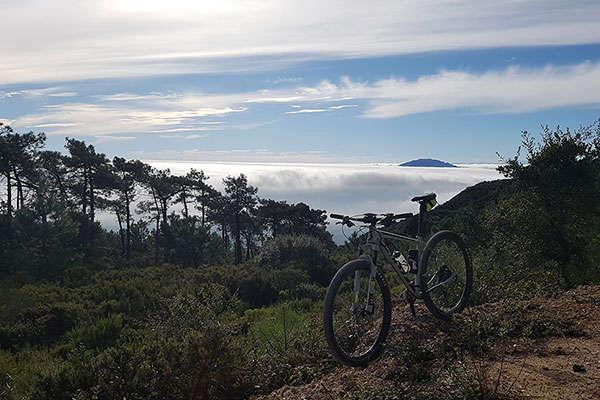 La foto del día en TodoMountainBike: 'África entre las nubes'