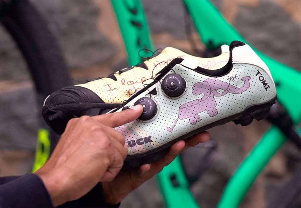 Así se fabricaron las zapatillas Luck personalizadas que utilizó Tomi Misser en la Absa Cape Epic 2018