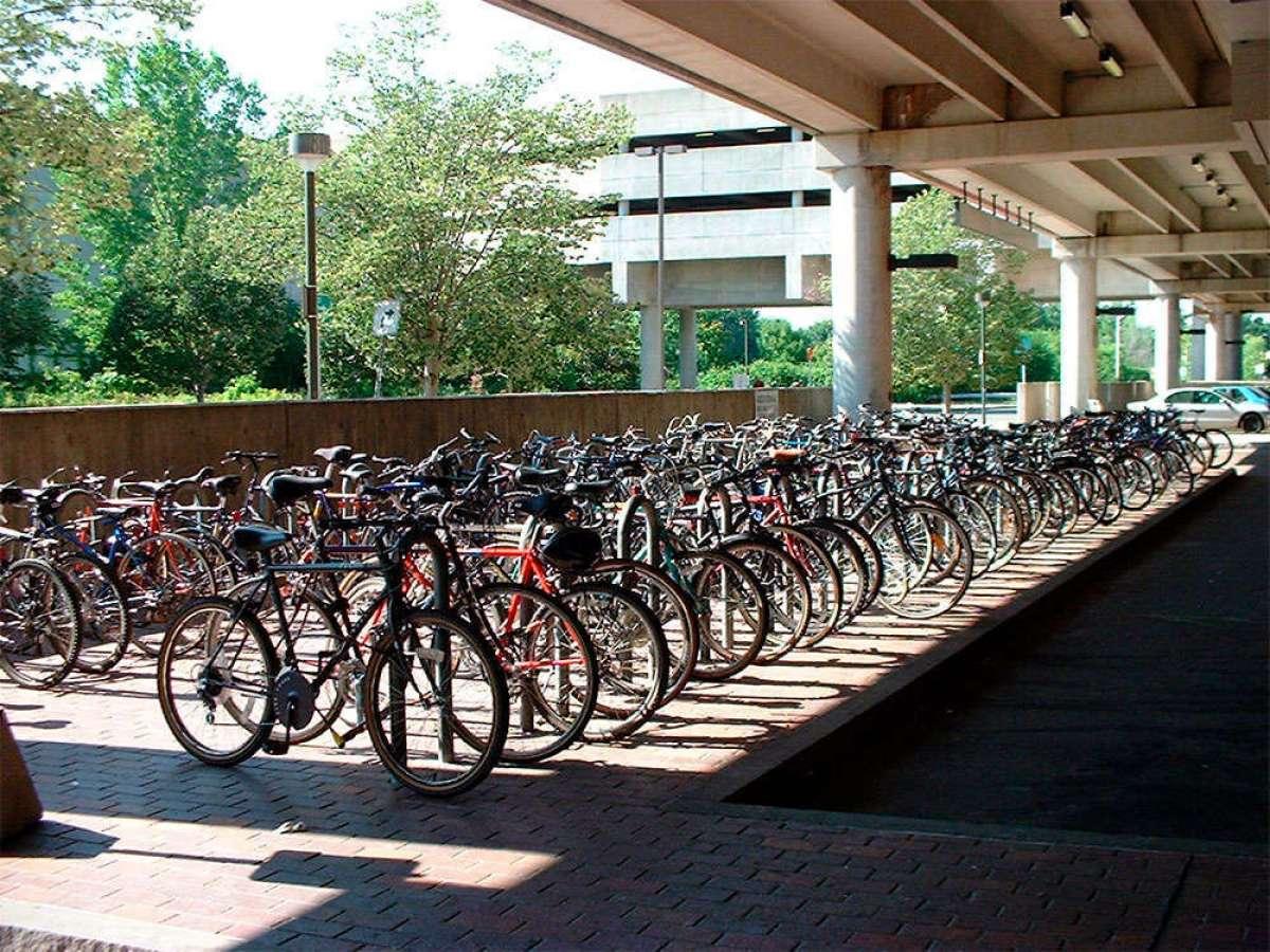 Parking para bicicletas (por ley) para las empresas andaluzas con más de 50 empleados