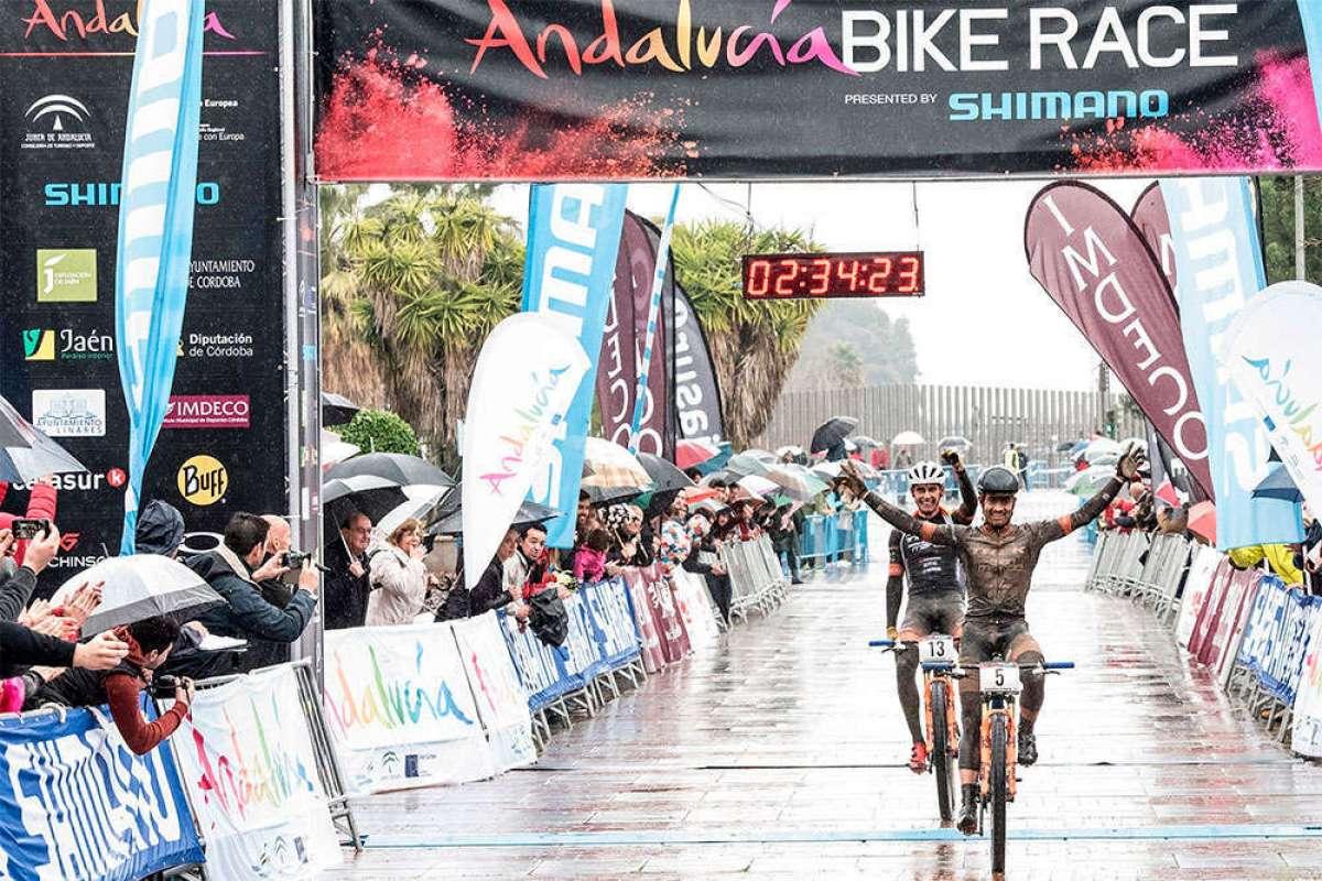 Hildegunn Hovdenak y Fabian Rabensteiner se llevan una cuarta etapa de la ABR 2018 pasada por agua