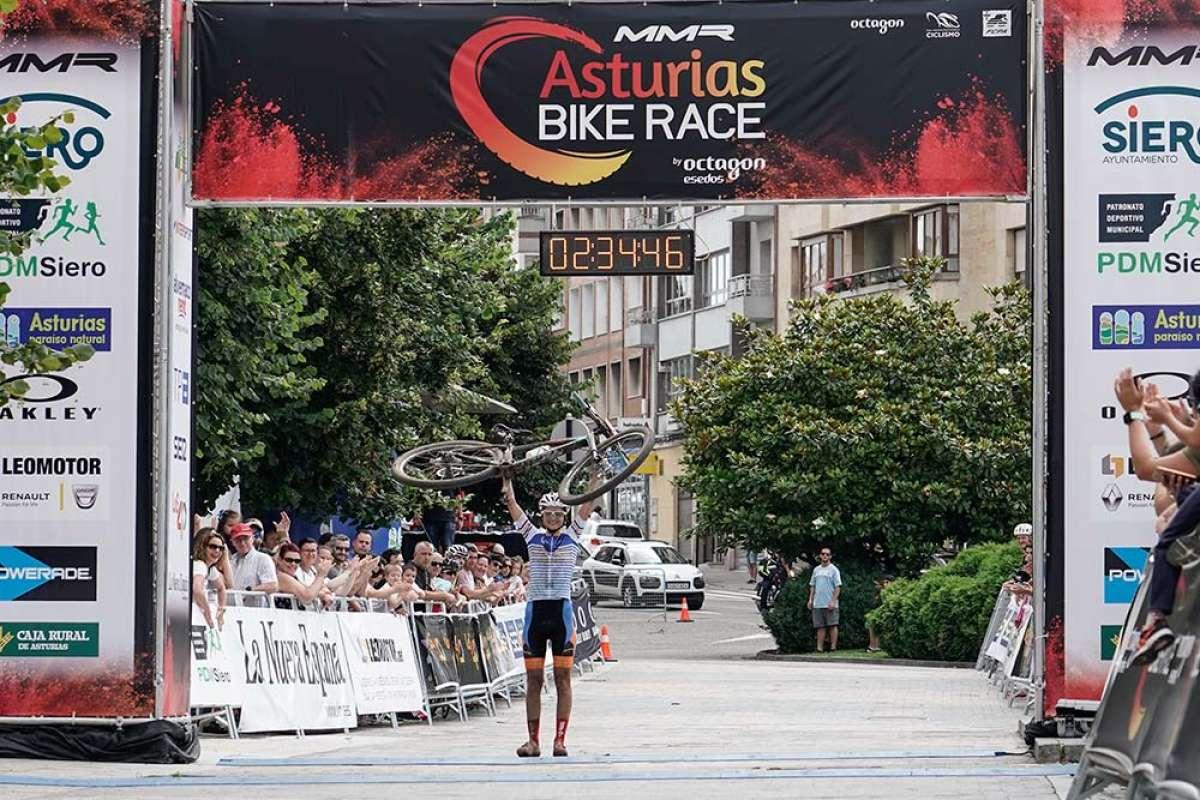 Víctor Fernández y Rocío Gamonal, vencedores absolutos de la MMR Asturias Bike Race 2018