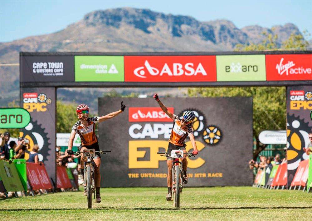 En TodoMountainBike: El Centurion Vaude se lleva la cuarta etapa de la Absa Cape Epic 2018, con Langvad y Courtney invictas