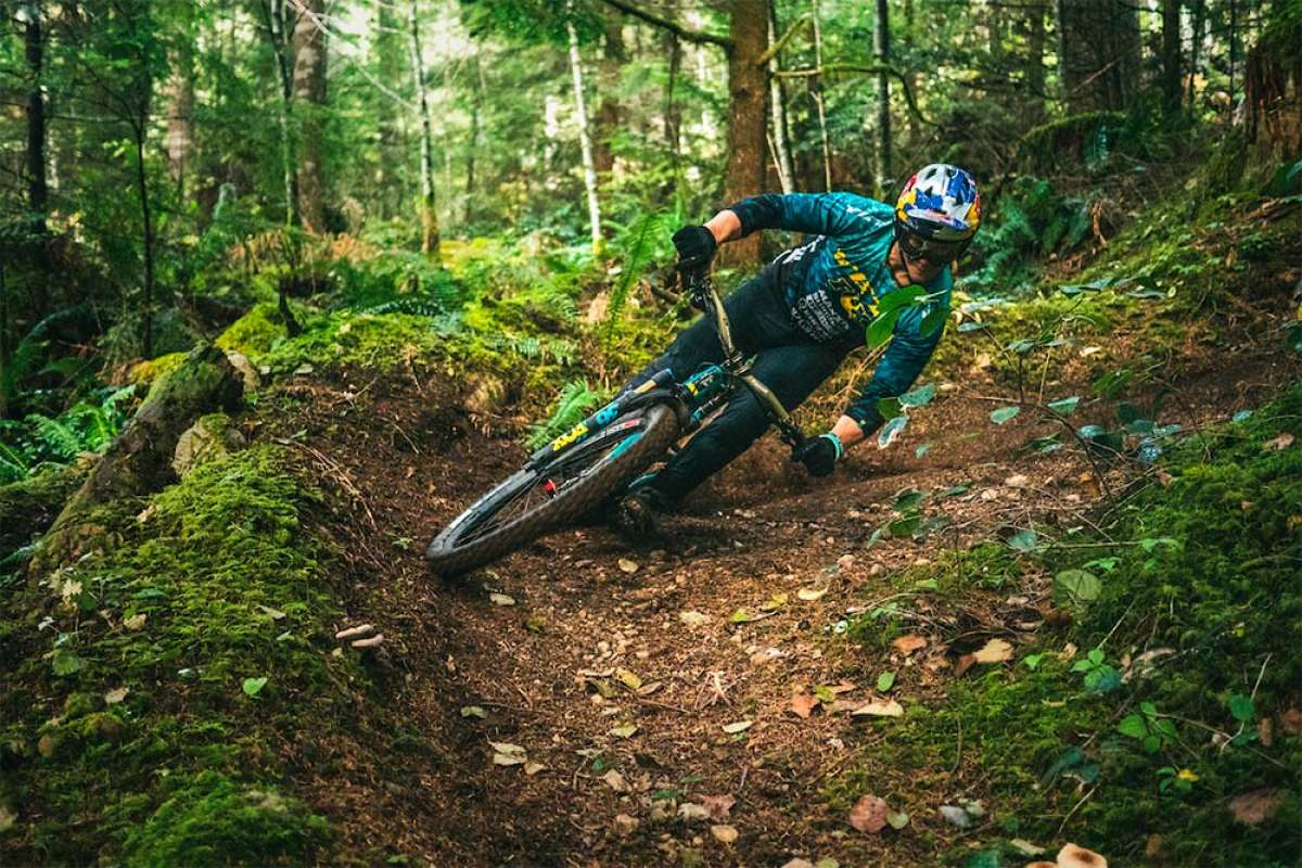 Rodando a toda velocidad por los senderos de Squamish con Richie Rude