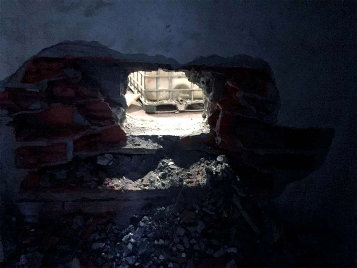 Roban más de 20 bicicletas en el almacén de 3T Cycling perforando un agujero en una pared de un metro de espesor