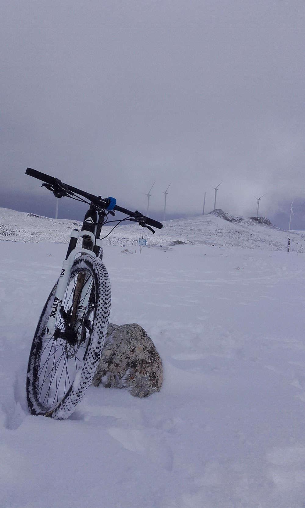 En TodoMountainBike: La foto del día en TodoMountainBike: 'Paseo invernal en la Sierra de Loja'