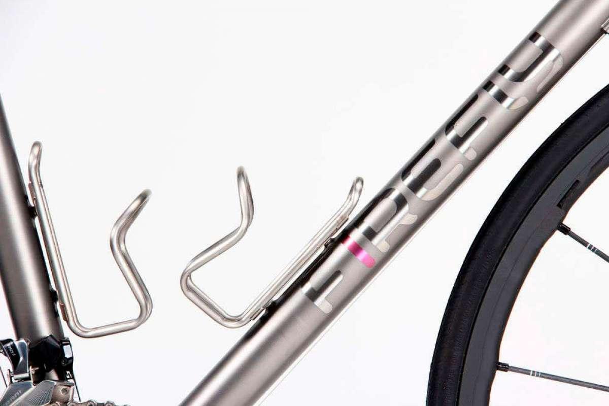 Silca Sicuro Ti, un portabidón de diseño clásico fabricado en titanio de grado aeroespacial
