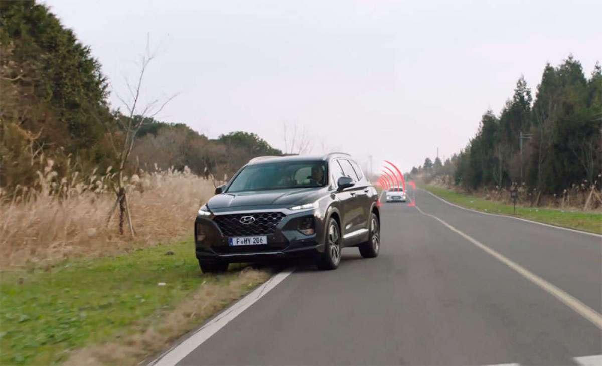"""Así funciona el sistema de seguridad """"Smart Sense"""" de Hyundai para prevenir accidentes de tipo dooring"""