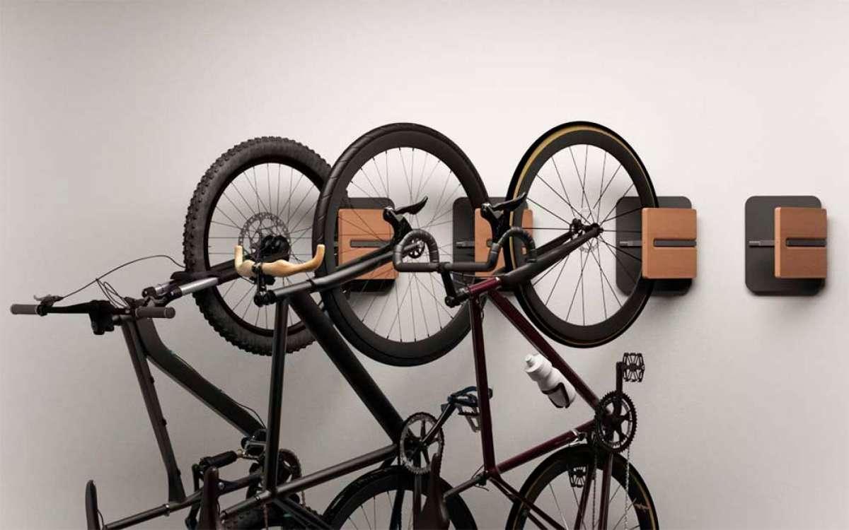 Mooose Gavia, un soporte para ahorrar espacio colgando la bici con estilo