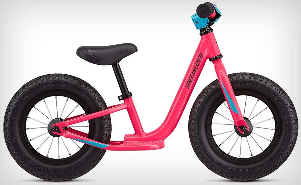 En TodoMountainBike: Specialized Hotwalk, una bicicleta correpasillos resistente y segura para los más pequeños de la casa