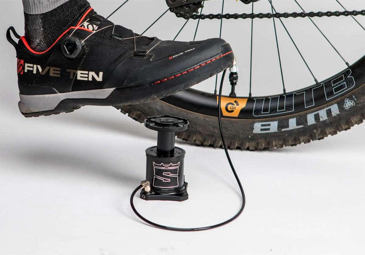 Adiós a las bombas de mano con StomPumP, la primera bomba de pie portátil para ciclistas