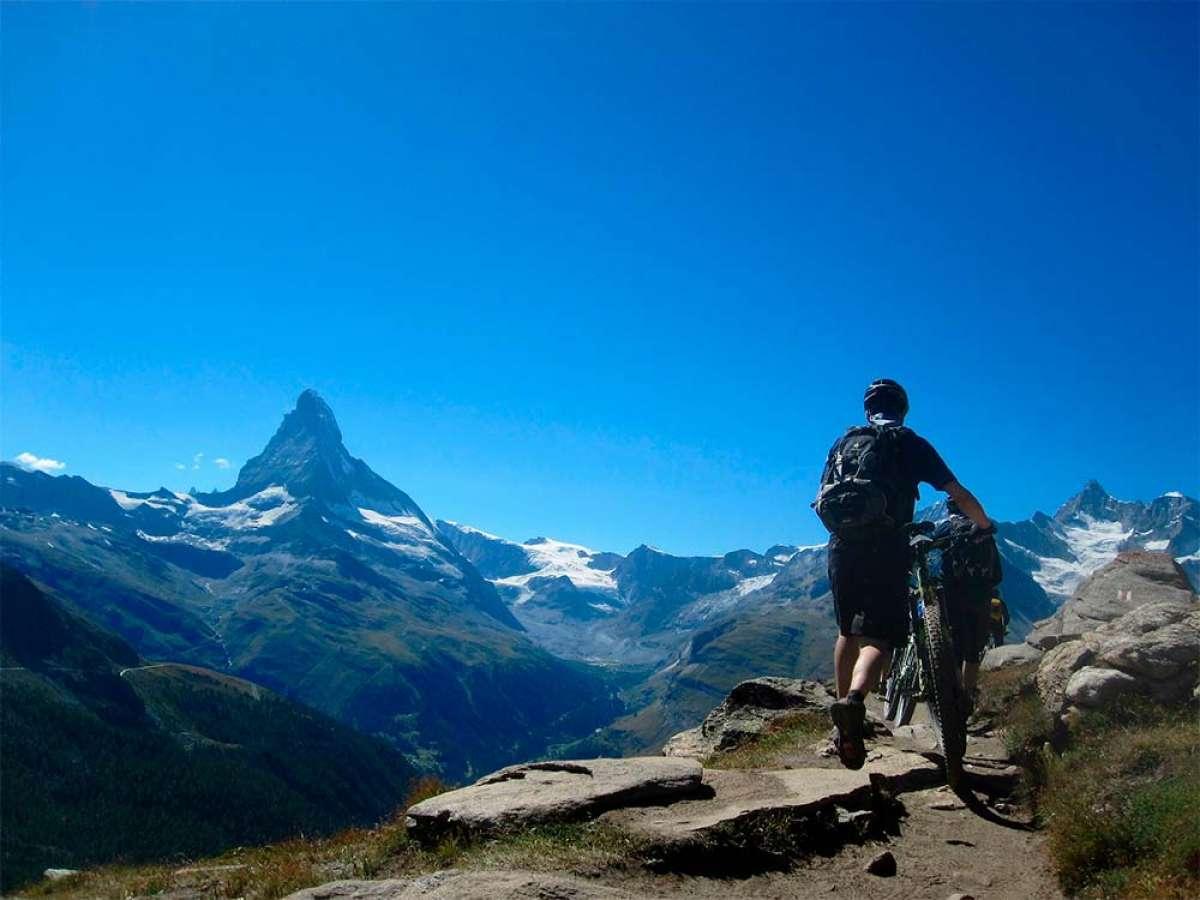 En TodoMountainBike: Suiza introduce la bicicleta en su Constitución para promover la creación de vías ciclistas seguras