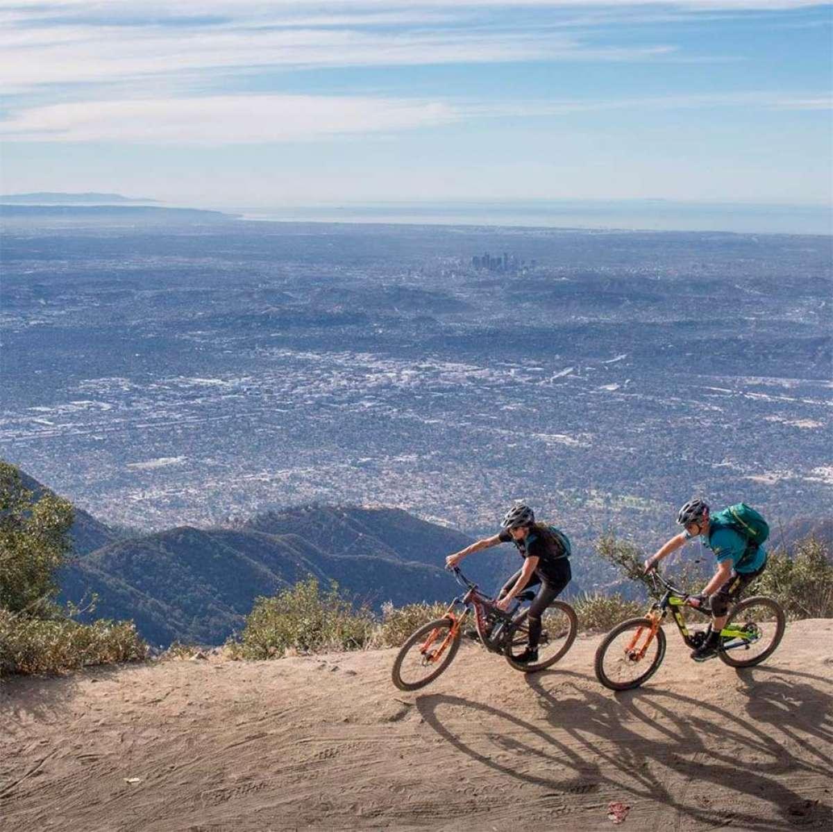Descubriendo los senderos que rodean Los Ángeles con Hans Rey, Missy Giove y Tim Commerford (Día 1)