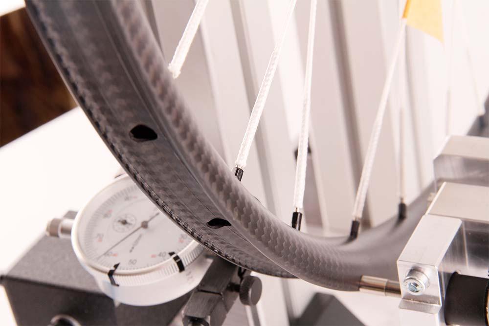 En TodoMountainBike: Tune BlackBurner Skyline TE, unas ruedas de carbono con radios textiles y 999 gramos de peso por juego