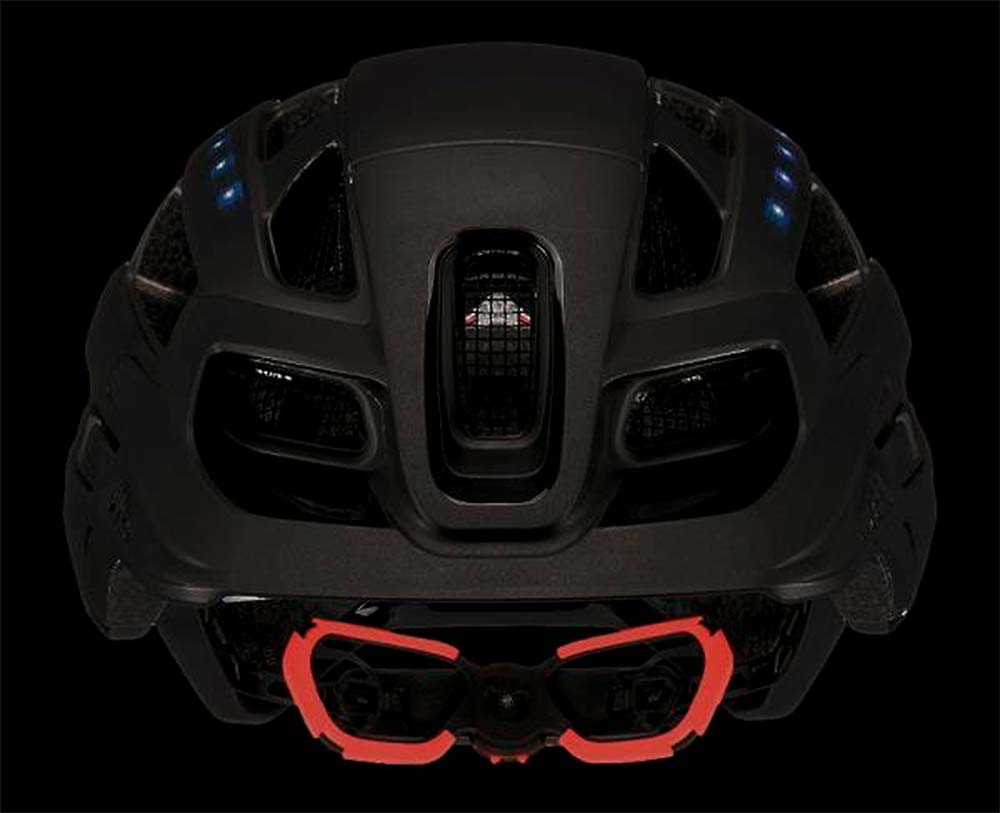 En TodoMountainBike: Uvex Finale Light, un casco urbano de estética MTB con sistema de iluminación LED integrado