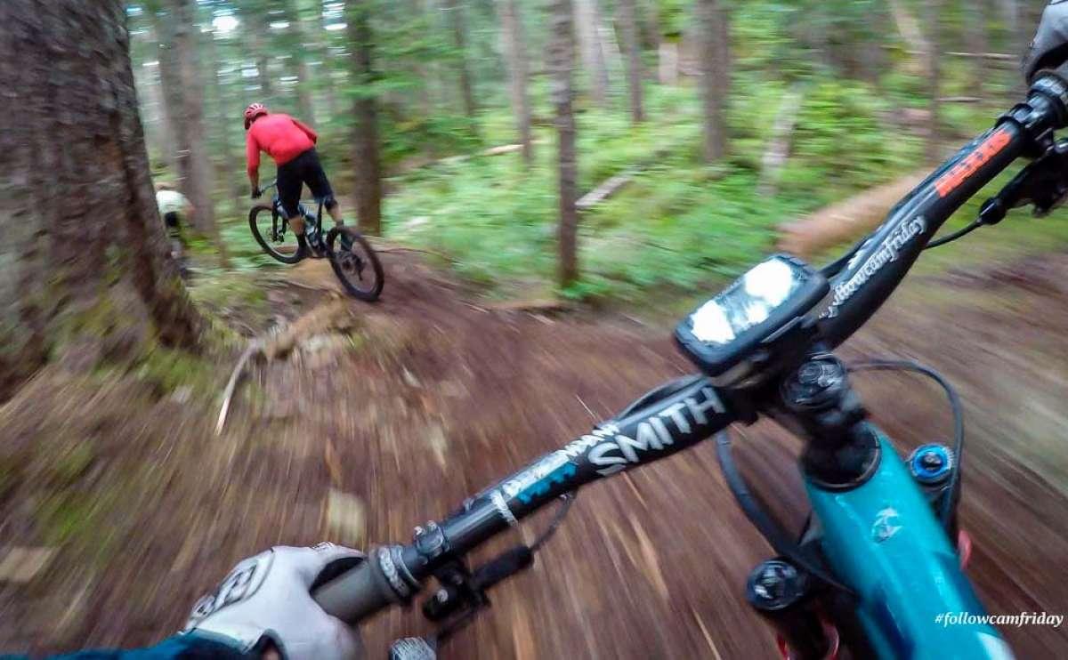 Rodando por las líneas Kashmir y Line of Control del Whistler Mountain Bike Park con Nate Hills