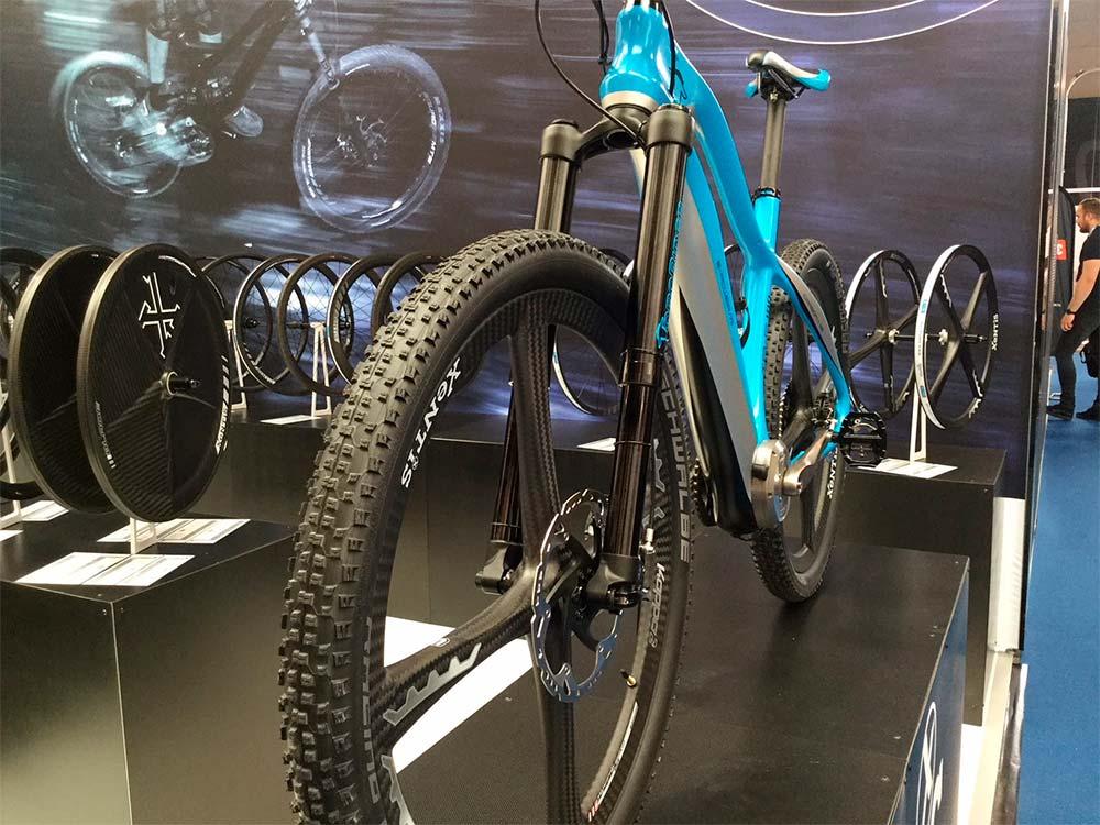 En TodoMountainBike: XeNTiS Kappa2, unas ruedas de carbono con cuatro radios integrados para presumir de bicicleta