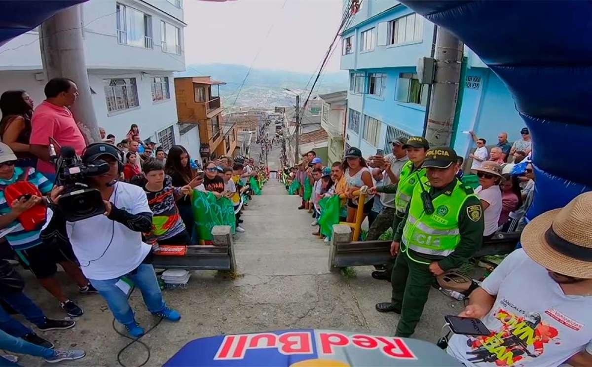 El descenso ganador de Marcelo Gutiérrez en el Downhill Urbano Manizales