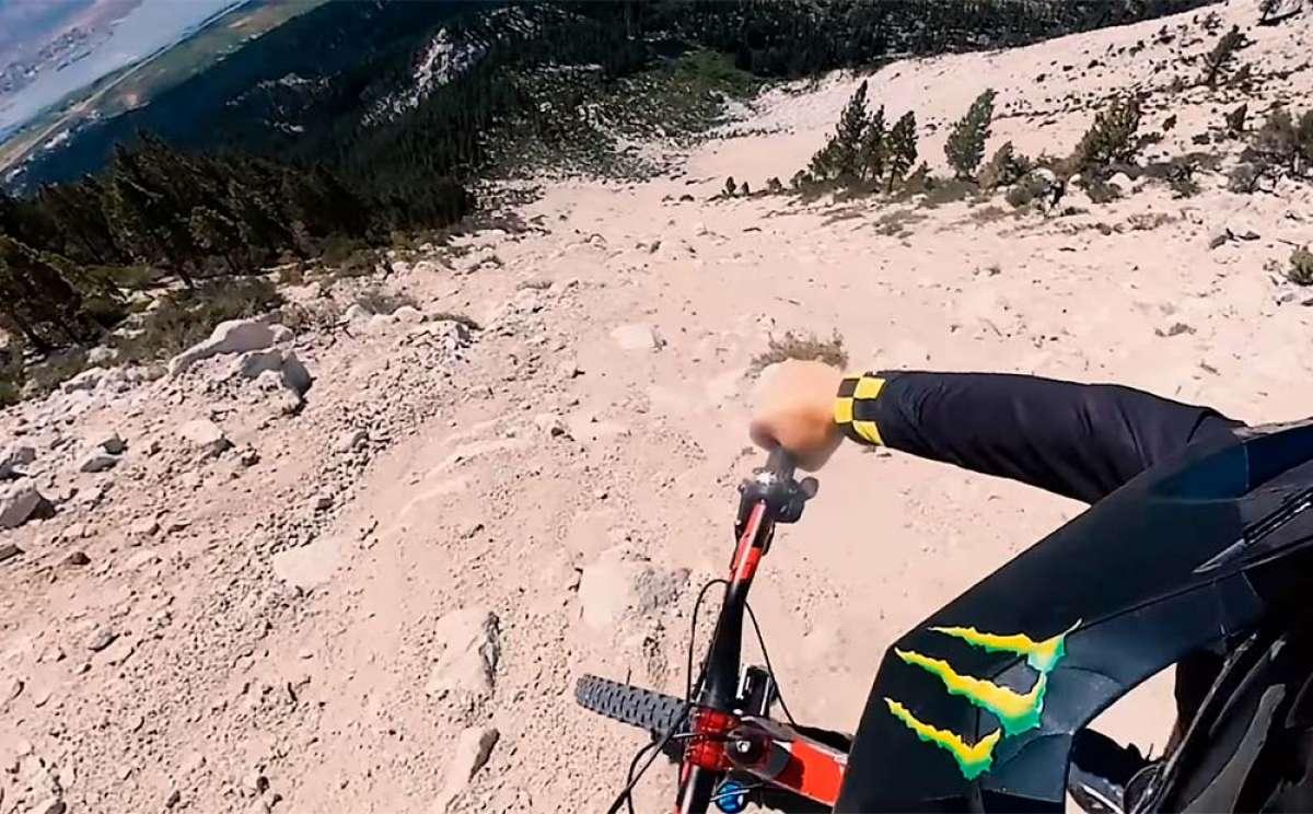 Descendiendo la cara sur de Slide Mountain con Cam Zink, Ray Syron y Trevor Boldi