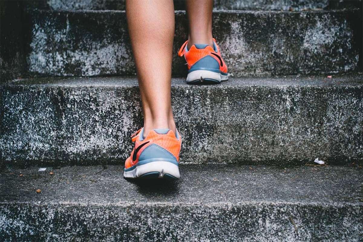 Tres ejercicios de fuerza para combinar con la bicicleta y acelerar la preparación física