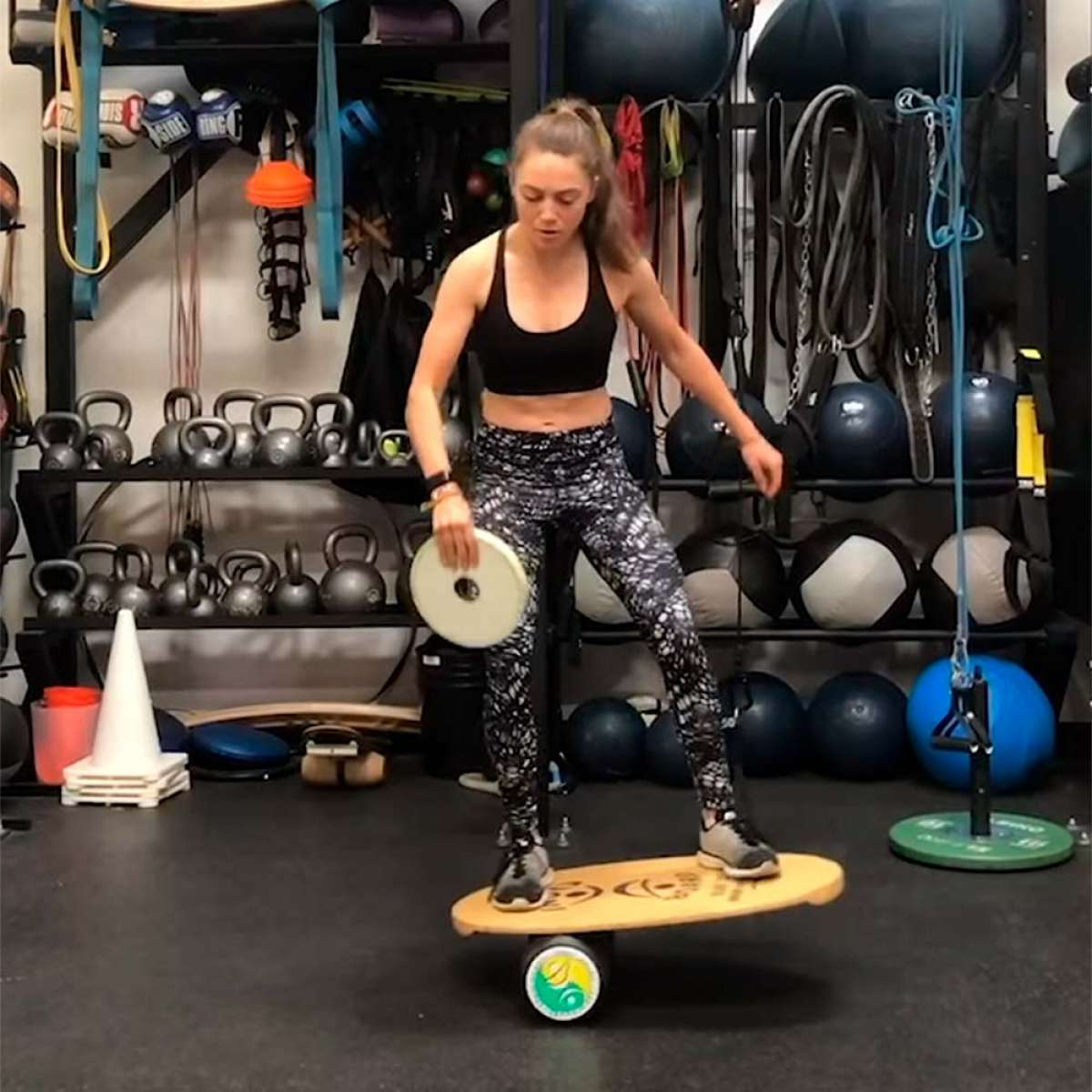 Entrenamiento de equilibrio con Kate Courtney