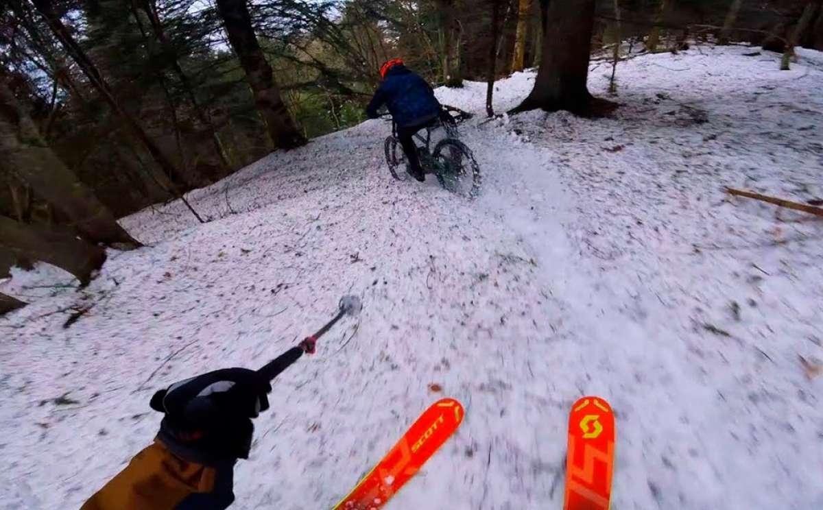 Un esquiador y un 'biker' en la misma pista de descenso, ¿quién es más rápido?