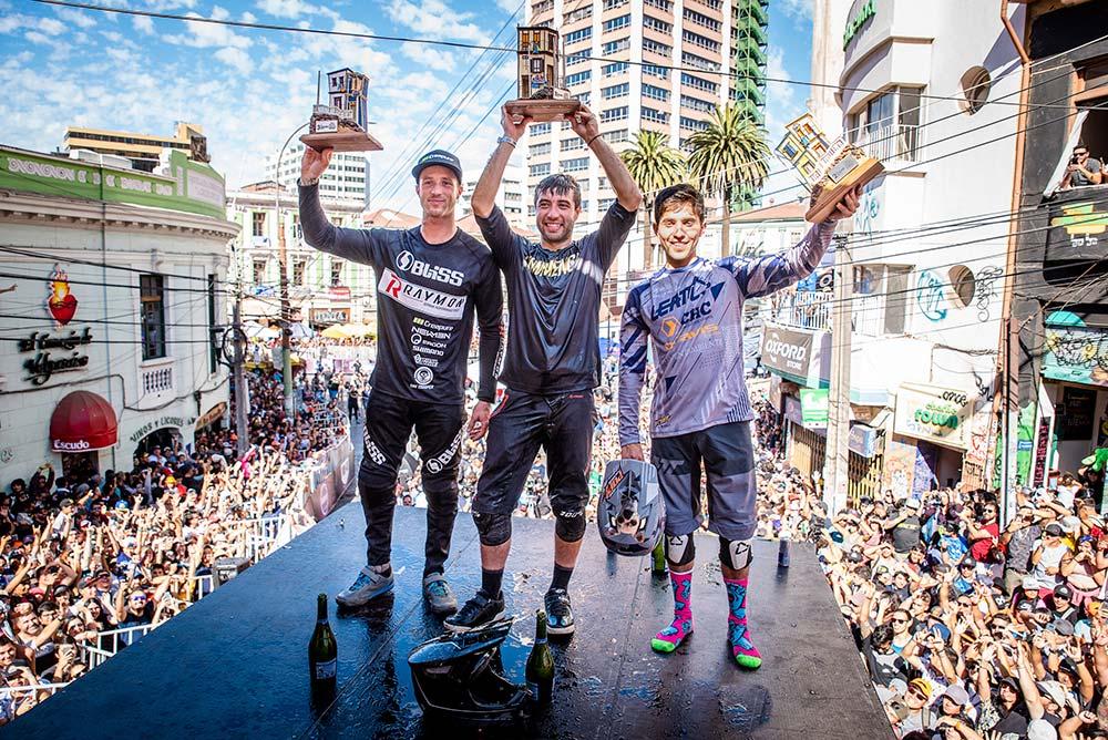 En TodoMountainBike: Pedro Ferreira conquista el Red Bull Valparaíso Cerro Abajo 2019