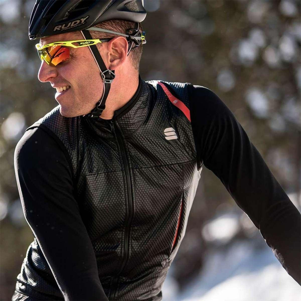 Sportful Strato Wind Jacket, una chaqueta muy versátil para salidas de alta intensidad
