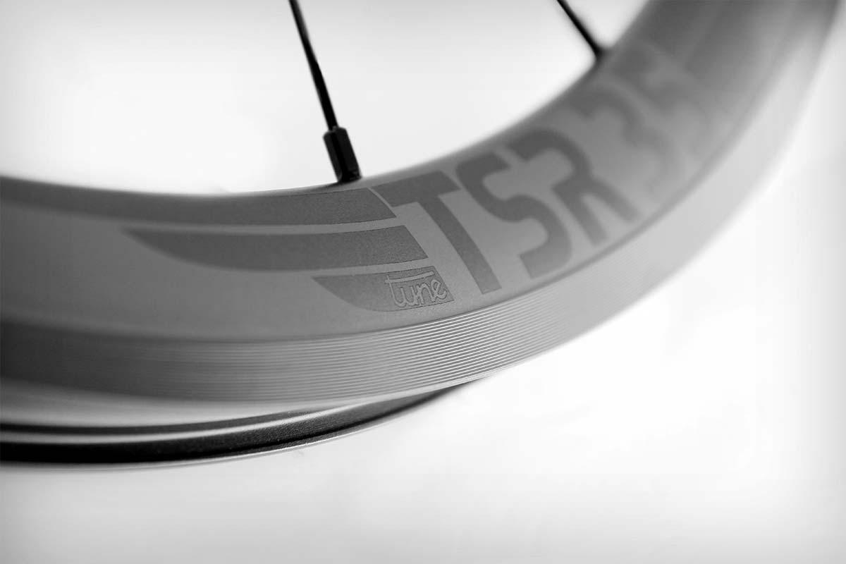 Tune TSR 35, unas ruedas de carretera ligeras y resistentes para montar neumáticos anchos