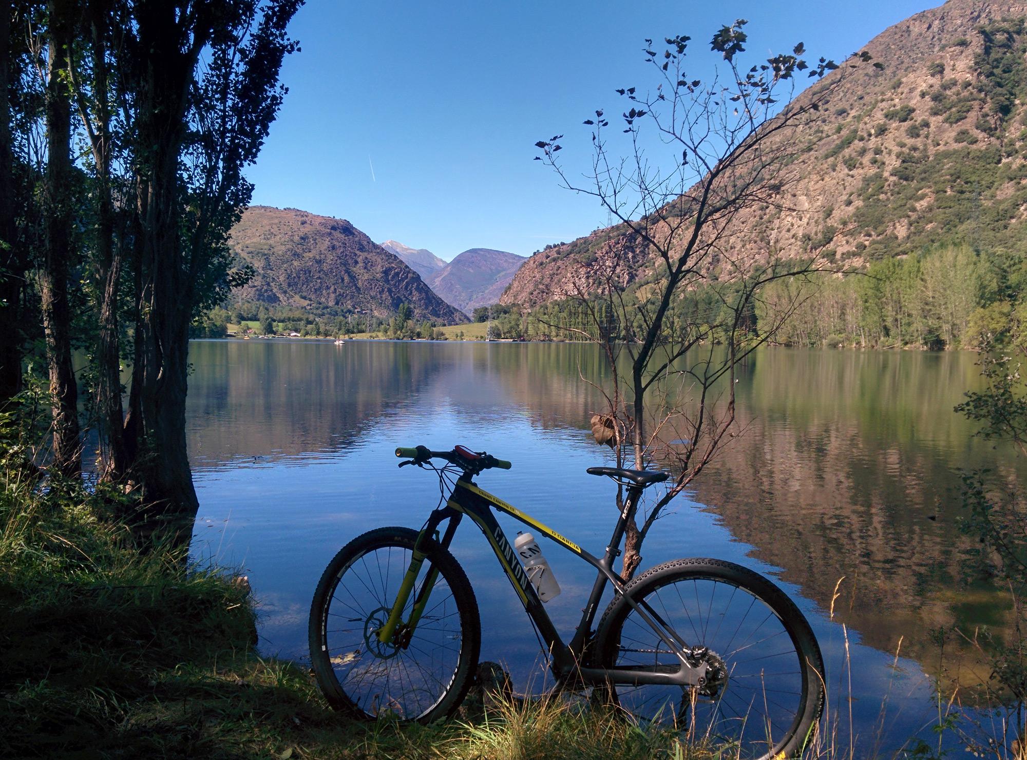 La foto del d a en todomountainbike 39 vacaciones en el - Casas rurales en el pirineo catalan ...